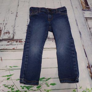 Girls size 3T OshKosh jeans. Great used condition.